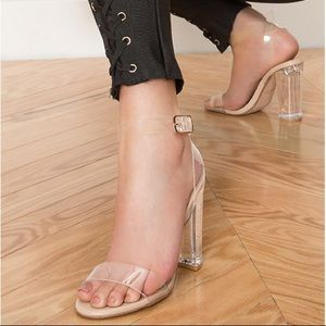 STEVE MADDEN Camille Clear Lucite Sandals